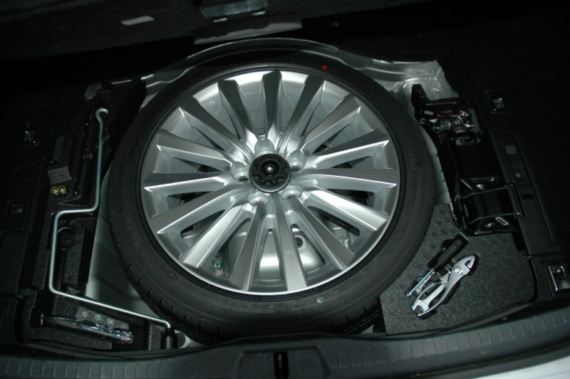 Lexus LS 460 2013 price $33,990
