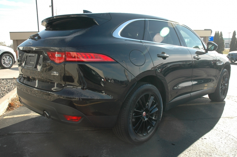 Jaguar F-PACE 2017 price $36,990