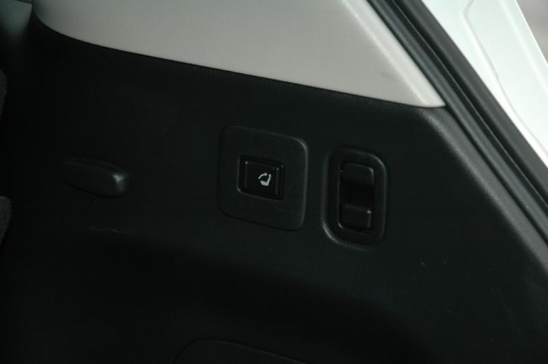 Infiniti QX60 Deluxe 2016 price $29,995
