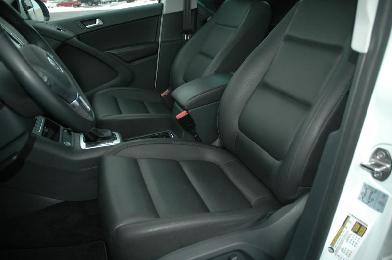 Volkswagen Tiguan 2017 price $19,490