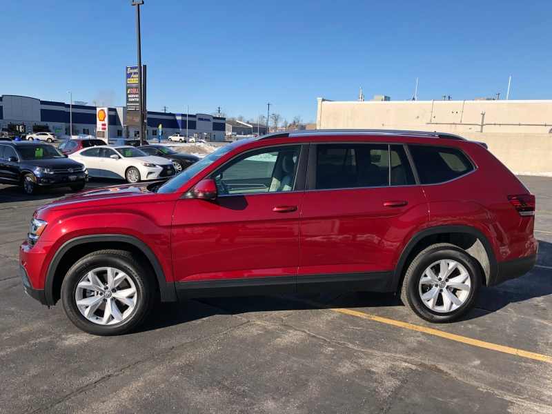 Volkswagen Atlas 2019 price $34,990