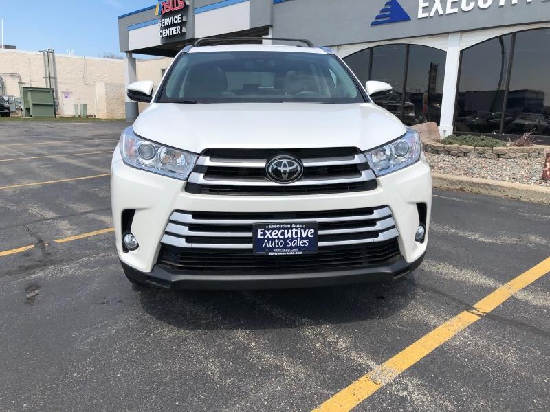 Toyota Highlander 2017 price $28,990