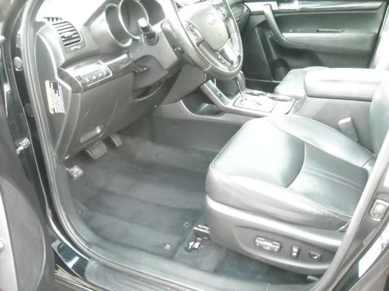 Kia Sorento 2011 price $8,900