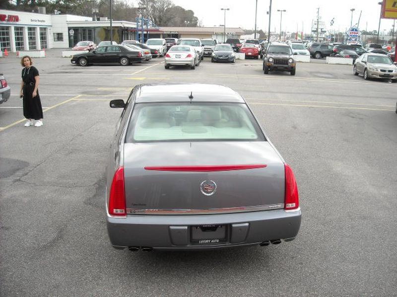 Cadillac DTS 2007 price $5,900