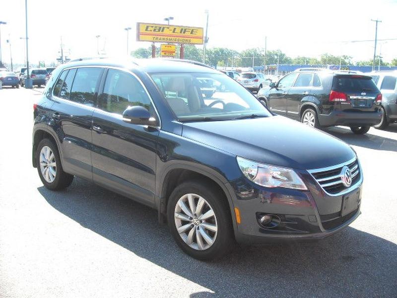 Volkswagen Tiguan 2011 price $6,900