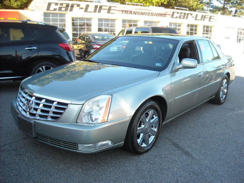 Cadillac DTS 2006 price $6,500