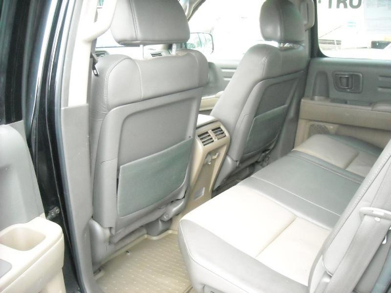 Honda Ridgeline 2006 price $10,900