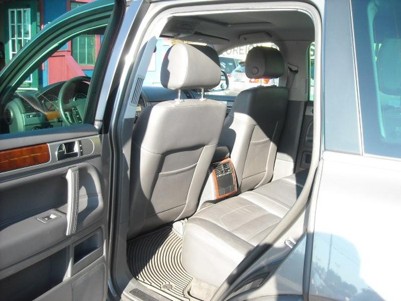 Volkswagen Touareg 2 2008 price $6,900