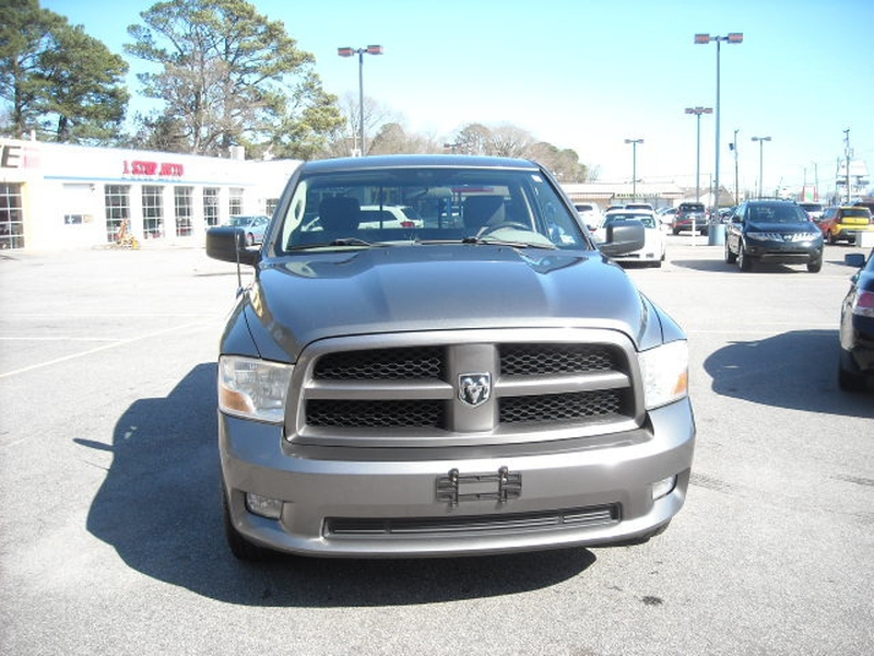 Dodge Ram 1500 2011 price $8,500