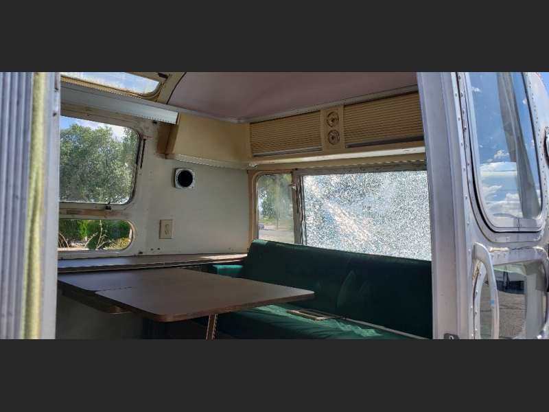 Airstream OVERLANDER 1975 price $10,000