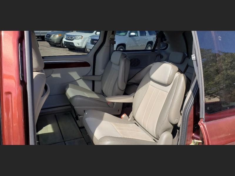 Chrysler Town & Country LWB 2007 price $5,999