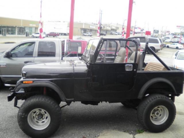 1985 Jeep CJ 4WD