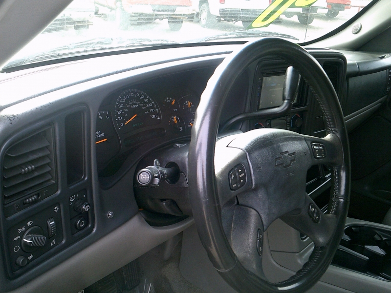 Chevrolet Suburban 2004 price $1,250 Down