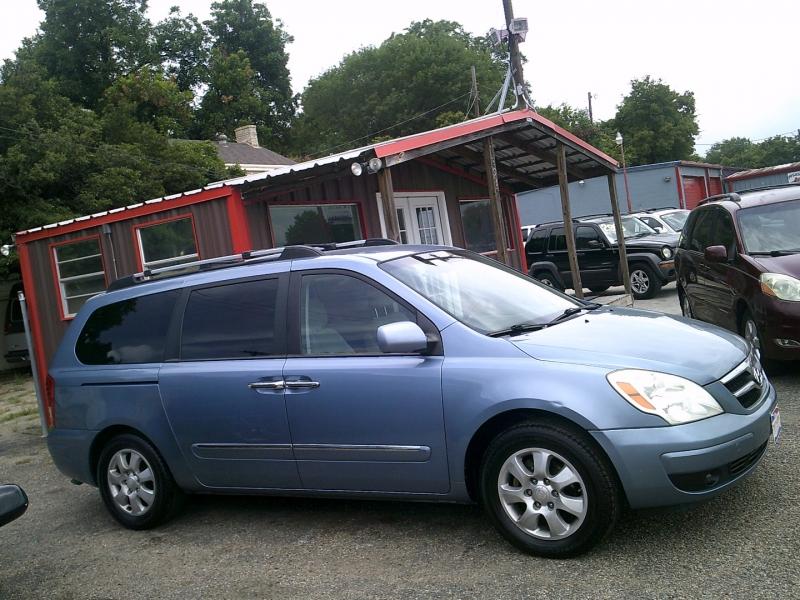 Hyundai Entourage 2008 price $2,000 Down
