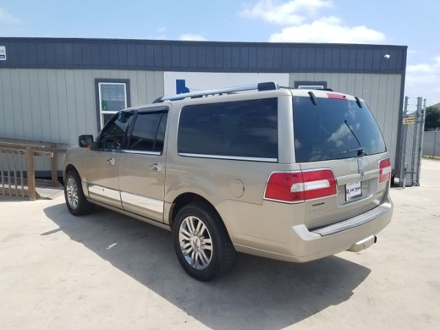 Lincoln Navigator L 2007 price $13,995