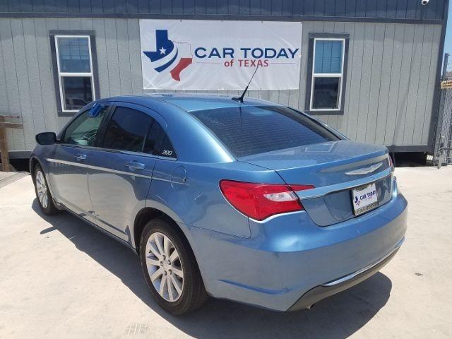 Chrysler 200 2011 price $10,995