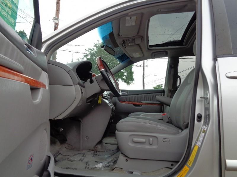 Toyota Sienna 2008 price