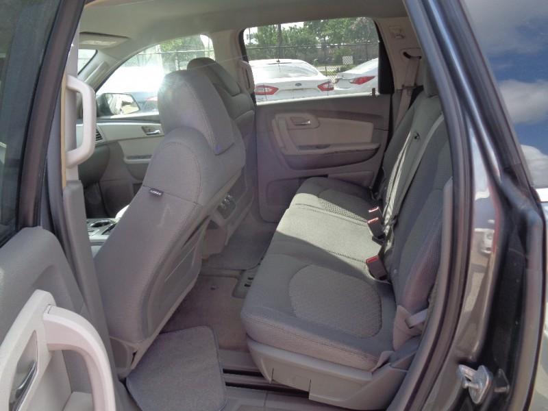 Chevrolet Traverse 2009 price $11,995