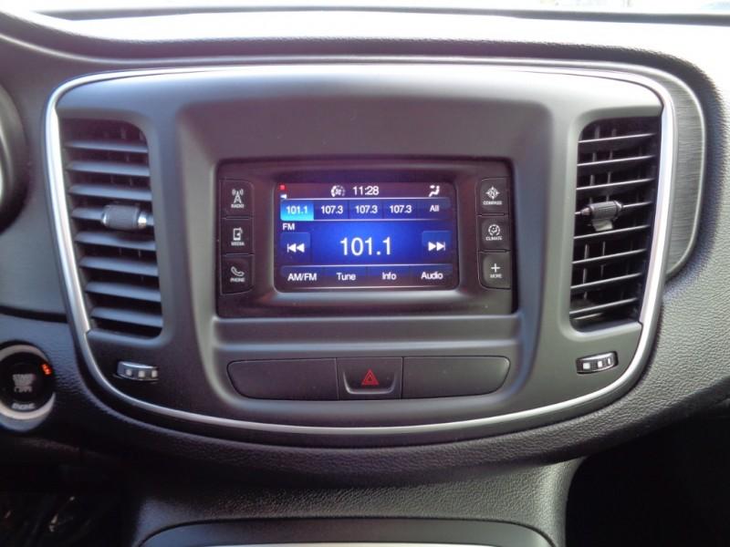 Chrysler 200 2015 price