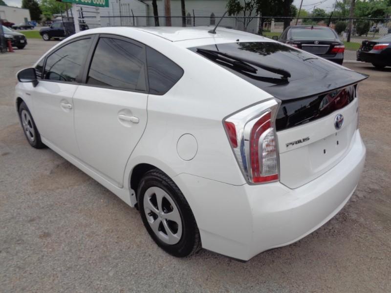 Toyota Prius 2012 price $15,995