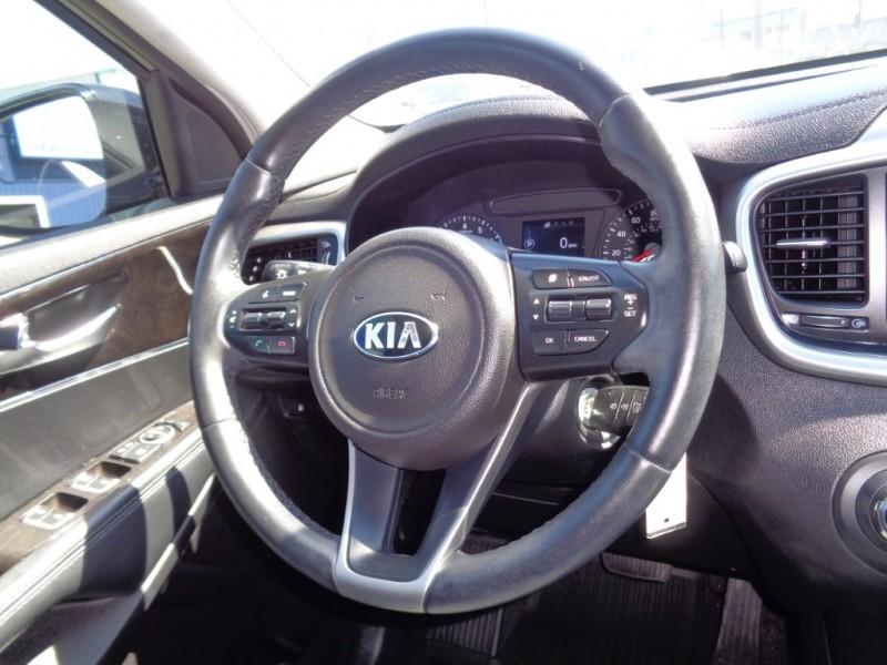 Kia Sorento 2016 price $19,995