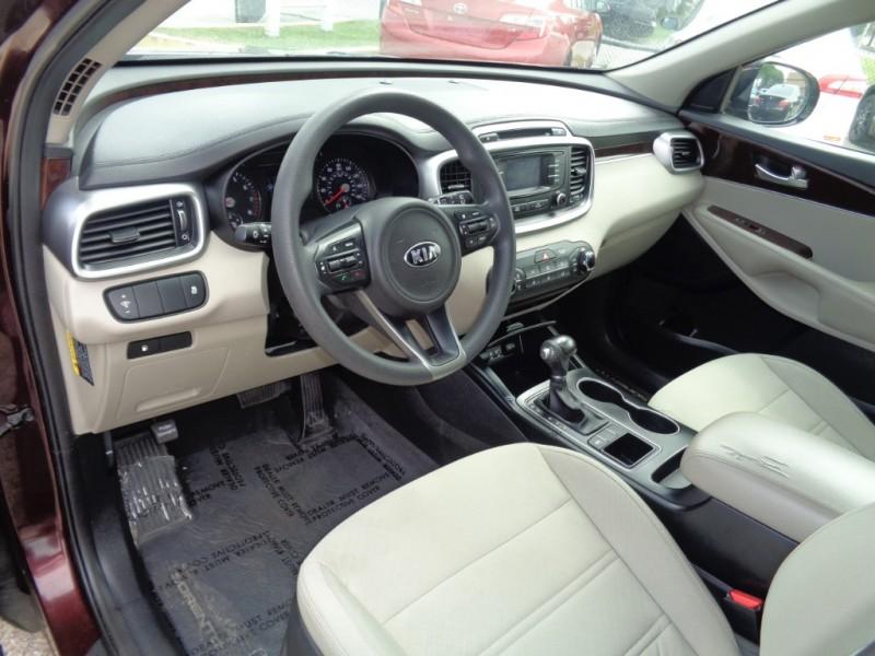 Kia Sorento 2016 price $18,995