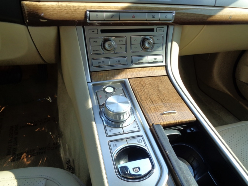 Jaguar XF 2009 price $12,995