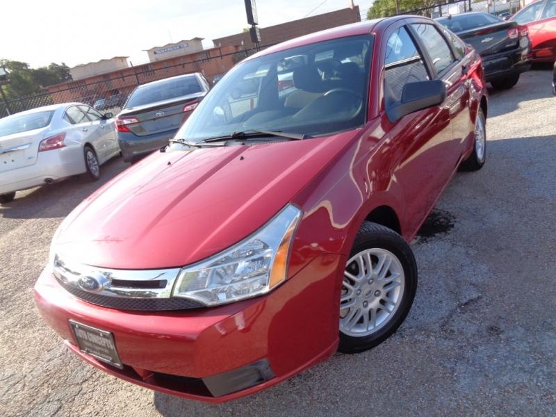 Ford Focus 2011 price $8,995