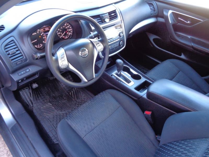 Nissan Altima 2016 price $15,995