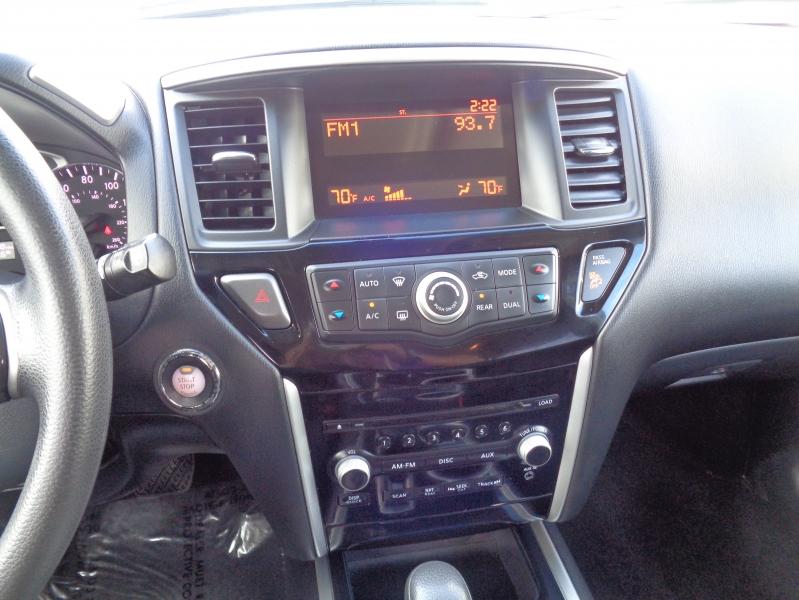 Nissan Pathfinder 2013 price $16,995
