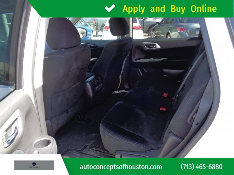 Nissan Pathfinder 2015 price $19,995