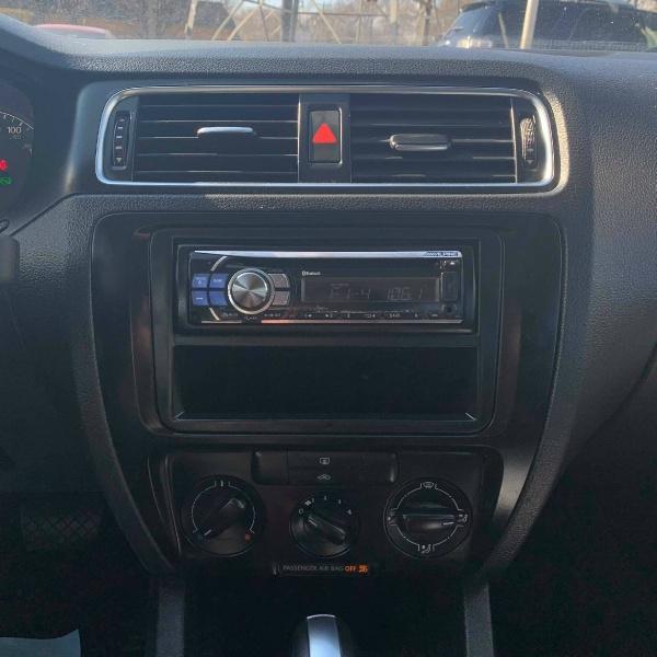 Volkswagen JETTA 2011 price $5,900 Cash