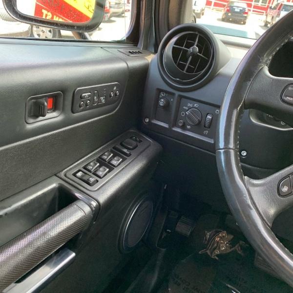 Hummer H2 2005 price $12,900 Cash