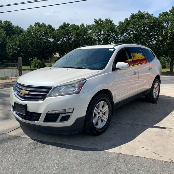 CHEVROLET TRAVERSE 2013 price $8,900