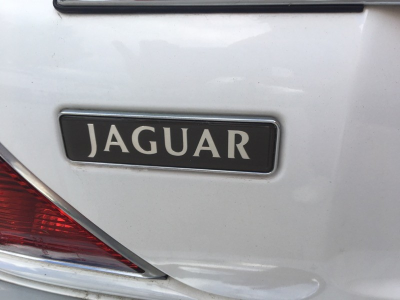 Jaguar XJ Sedan 1998 price $3,500