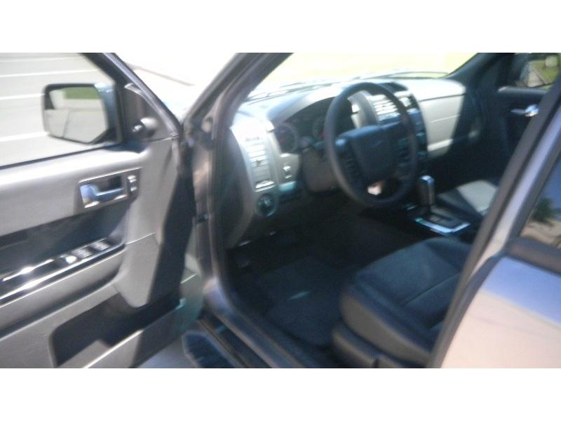 FORD ESCAPE 2011 price $9,995
