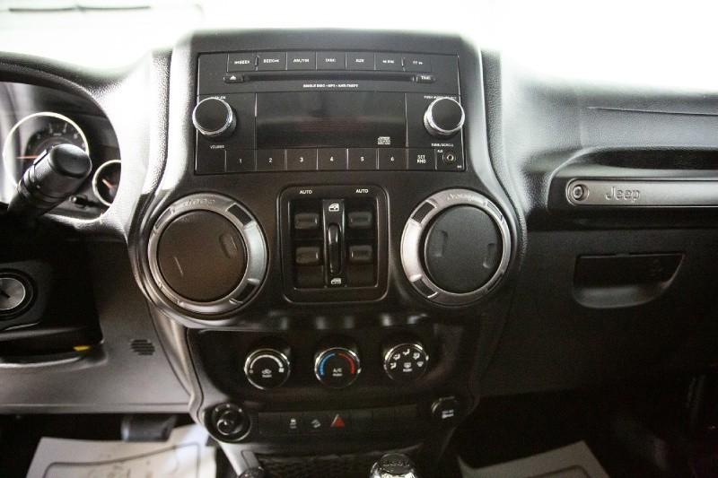 Jeep Wrangler Unlimited 2015 price $26,995