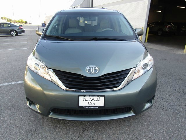 Toyota SIENNA LEATHER DVD 1 OWNER 2013 price $15,777 Cash
