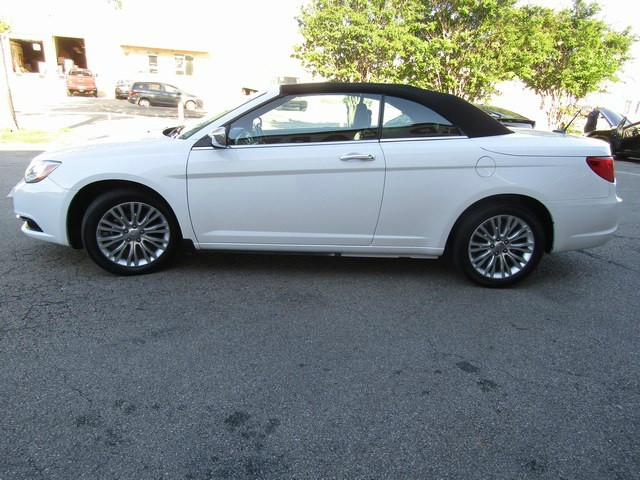 Chrysler 200 LIMITED CON 1 OWNER 2014 price $12,777 Cash