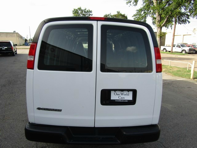 Chevrolet EXPRESS CARGO 1 OWNER 2018 price $21,777 Cash