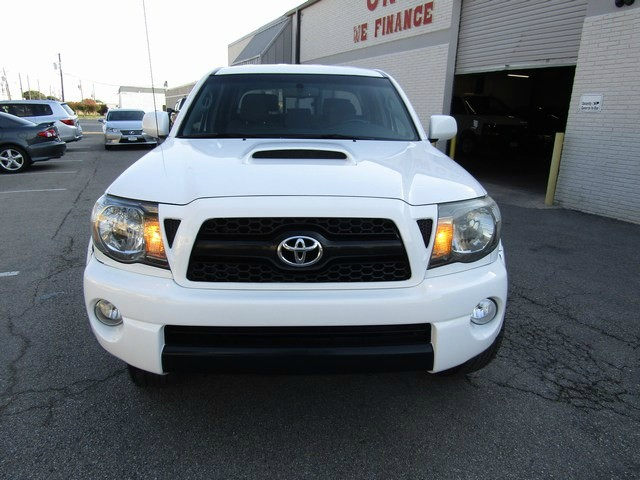 Toyota TACOMA 4DR 4WD 1 OWNER 2011 price $15,777 Cash