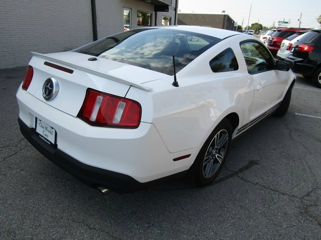 Ford MUSTANG COUPE LEATHER 2010 price $8,877 Cash