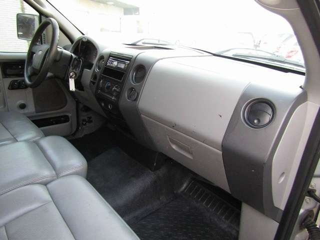 Ford F-150 2DR I OWNER AUTO 2007 price $4,995 Cash