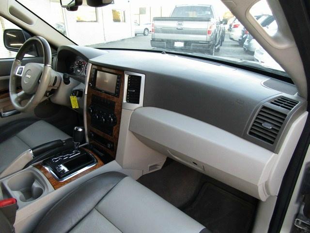 Jeep G.CHEROKEE LIM 4WD V8 2008 price $6,995 Cash