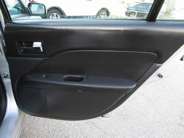 Ford FUSION SE 2009 price $3,477 Cash