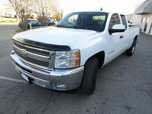 Chevrolet SILVERADO LT 1500 1 OWNER 2012 price $9,995 Cash
