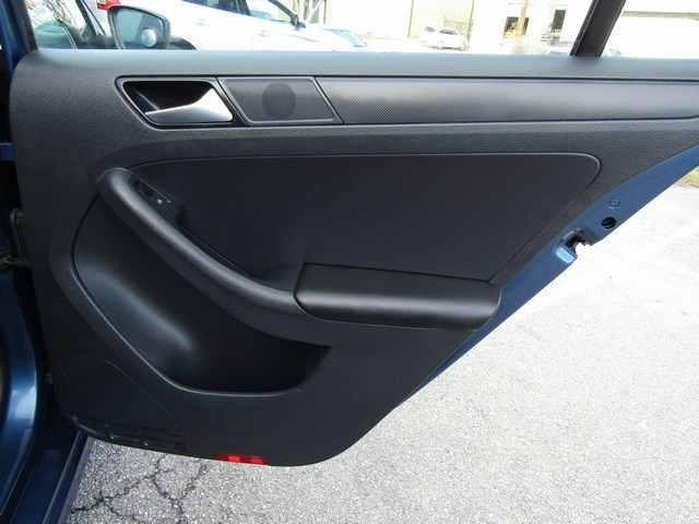 Volkswagen Jetta Manual 2015 price $7,495 Cash