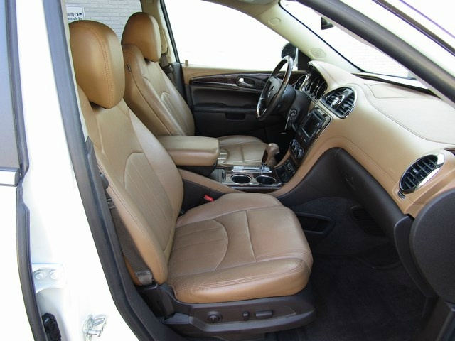 Buick Enclave 1 Owner leather 2015 price $12,995 Cash