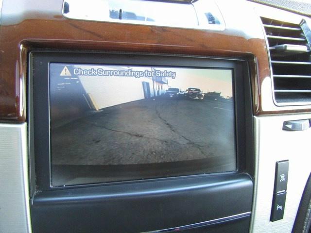 Cadillac Escalade Hybrid Platnum 2011 price $17,995 Cash