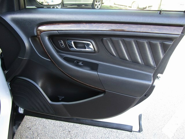 Ford Taurus Lim Leather Roof 2013 price $7,995 Cash